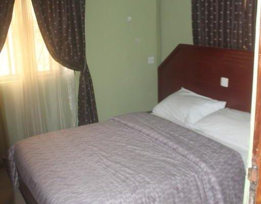 Oragon Hotel & Suites - фото 2