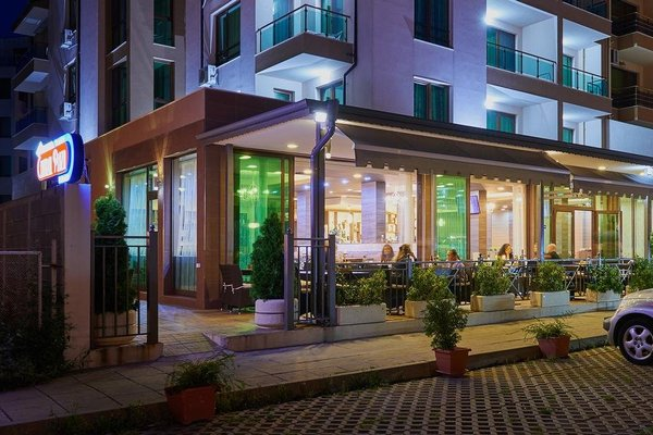 Central Plaza Hotel - фото 21
