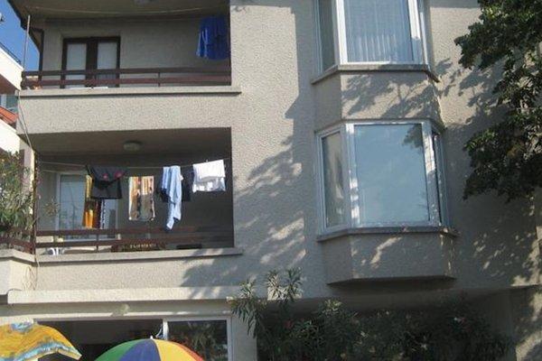 Guest House Gabi - фото 1