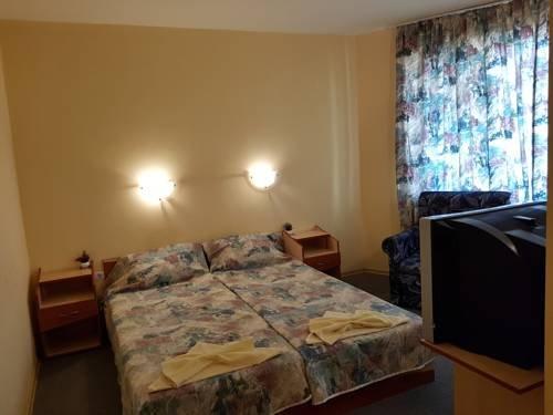 Krasi Hotel - фото 6