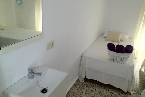 InHouse Marbella Hostel - фото 10