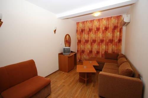 Tanya Hotel - фото 15