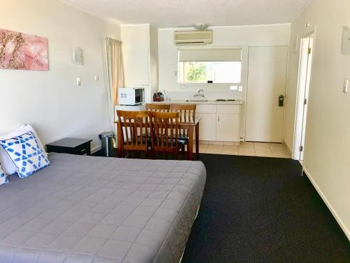 Tui Oaks Motel - фото 1