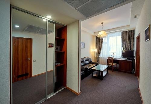 Бизнес Отель - фото 1