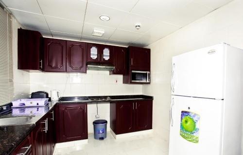 Asfar Hotel Apartment - фото 13