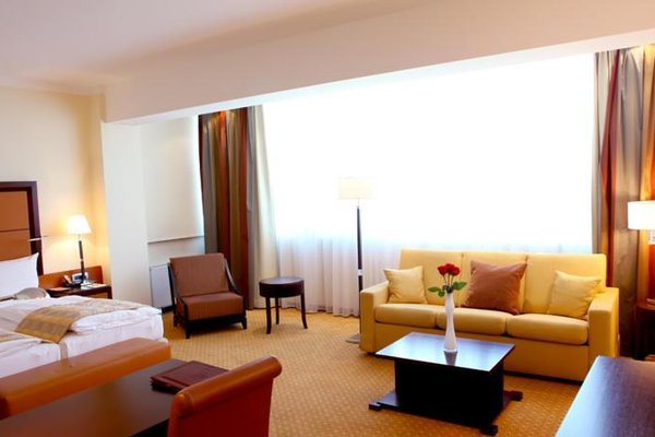 APART HOTEL PREMIER - фото 0