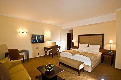 APART HOTEL PREMIER - фото 2