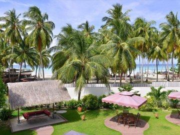 Reveries Diving Village, Maldives