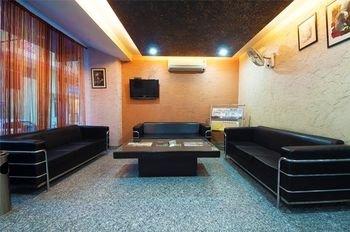 Airport Hotel Noratan Palace - фото 8