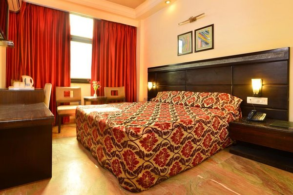 Hotel Shanti Palace West - фото 2