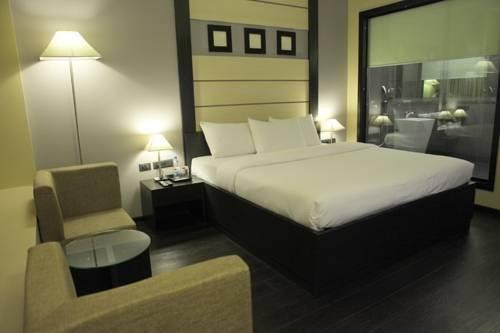 Bulbul Hotel And Banquet, Фаридабад