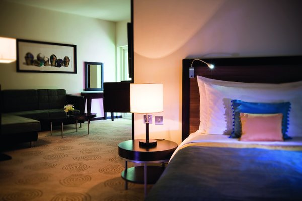 AVANI Deira Dubai Hotel - фото 1