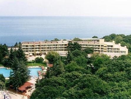 AMBASSADOR HOTEL - фото 0