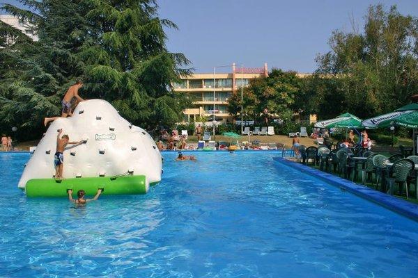AMBASSADOR HOTEL - фото 21