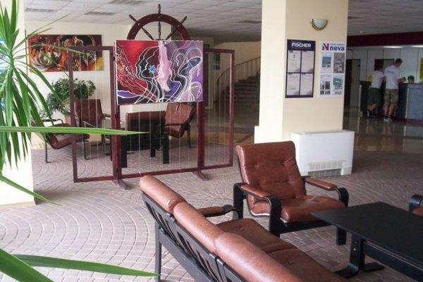AMBASSADOR HOTEL - фото 6