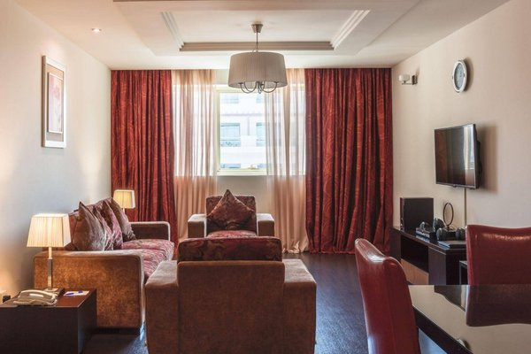 Dunes Hotel Apartments Oud Metha - фото 1