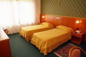 Grand Hotel - Pinetamare, Кастель-Вольтурно