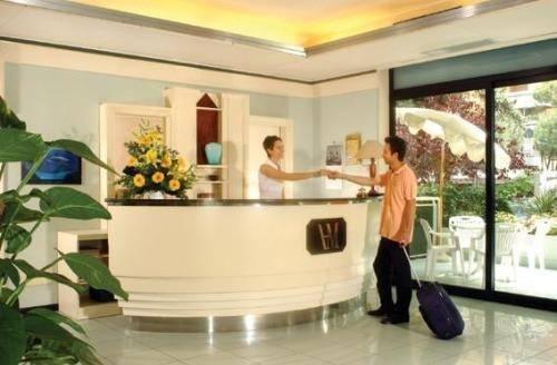 Hotel Milano Ile De France - фото 3