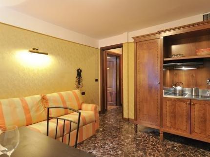 Torre dell Orologio Apartments - фото 5