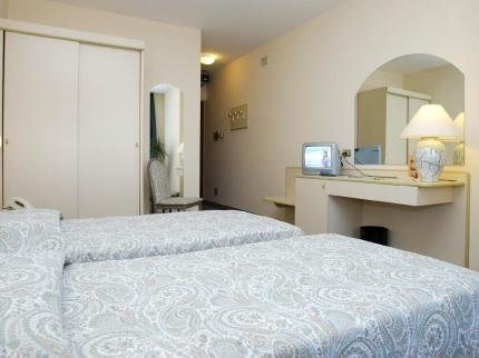Hotel Des Alpes - фото 1
