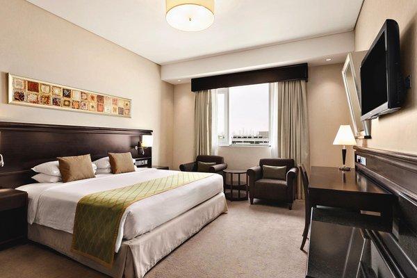Ramada Jumeirah Hotel - фото 1