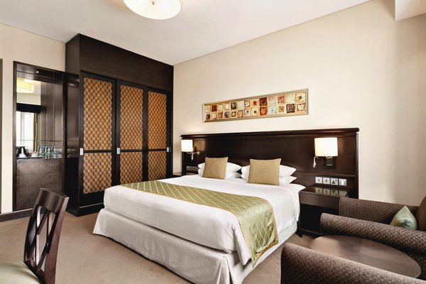 Ramada Jumeirah Hotel - фото 2