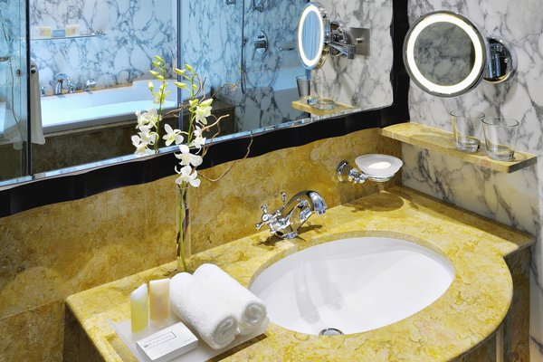 Ramada Jumeirah Hotel - фото 5