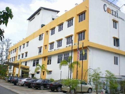 Cozzi Hotel, Kampung Telok