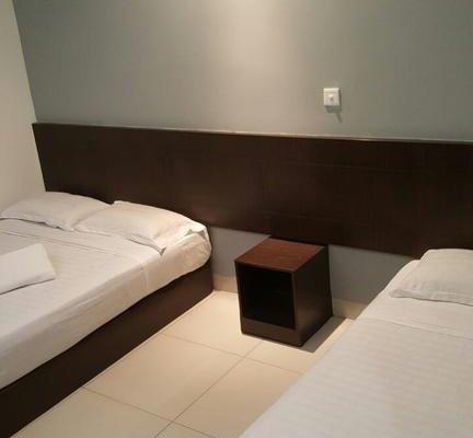 Tiong Nam Hotel - фото 10