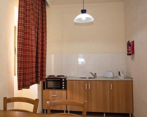 Dragonara Apartments - фото 9