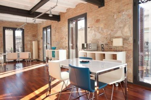 AB Paral·lel Apartments - фото 13