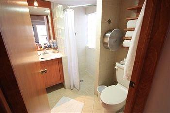 Alcazar Suites - фото 12