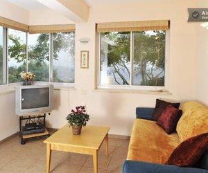Lakshmi Vacation Apartments Hararit Israel