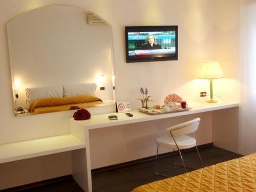 Hotel Cristallo - фото 2