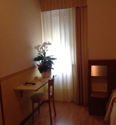 Hotel Romeo - фото 4