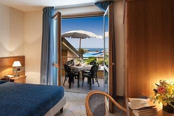 Continental Resort - фото 1