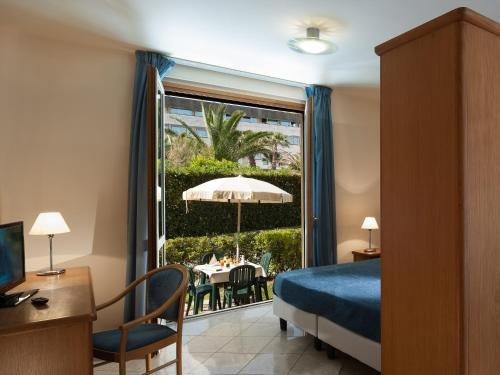 Continental Resort - фото 2