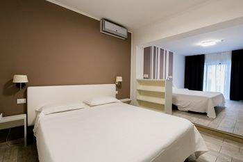 Hotel Saviola Lake - фото 2