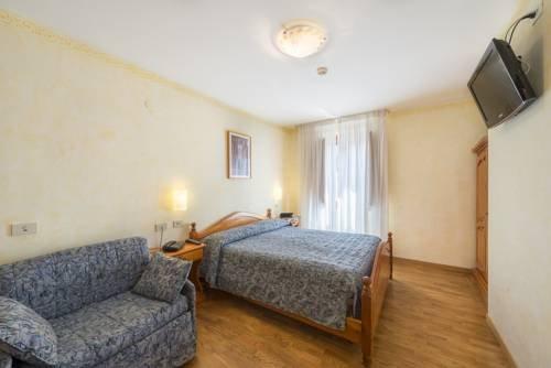Hotel Iris - фото 1