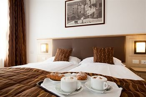 Hotel Portici - Romantik & Wellness - фото 1