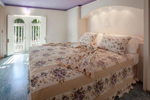 Bellavista Hotel Deluxe Apartments - фото 2