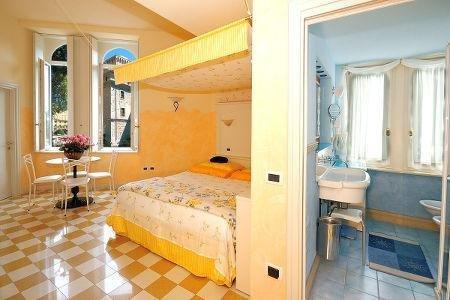 Bellavista Hotel Deluxe Apartments - фото 4