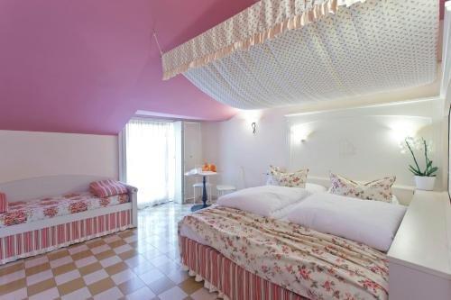 Bellavista Hotel Deluxe Apartments - фото 7