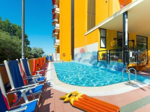 Romea Hotel - фото 0