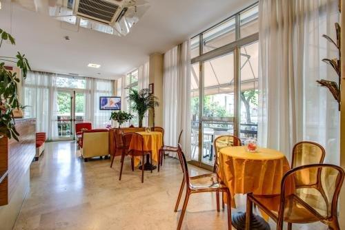Hotel Tiziana - фото 10