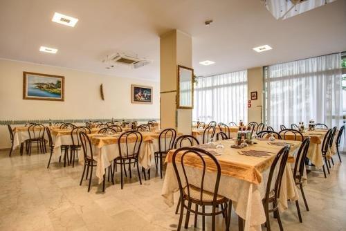 Hotel Tiziana - фото 12