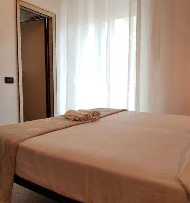 Jammin' Rimini Backpackers Hotel - фото 1