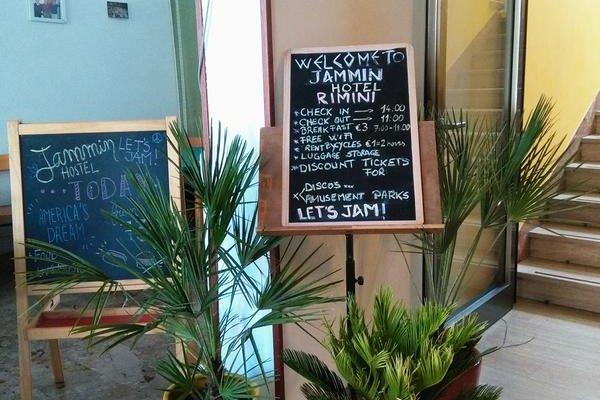 Jammin' Rimini Backpackers Hotel - фото 19