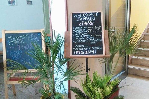 Jammin' Rimini Backpackers Hotel - фото 20