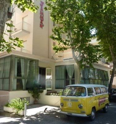 Jammin' Rimini Backpackers Hotel - фото 23